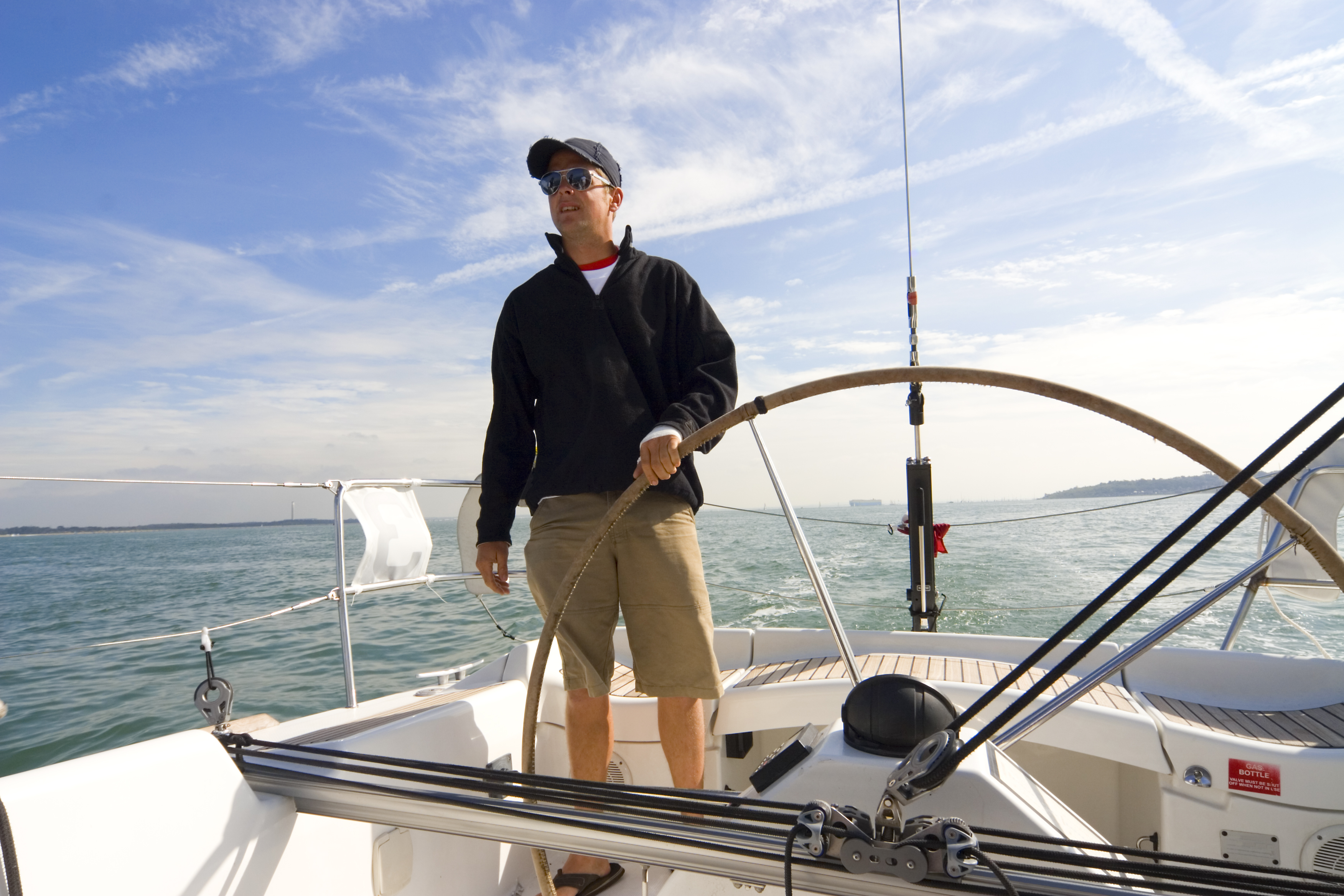 What qualifications do you need to go bareboat sailing in the BVI ...